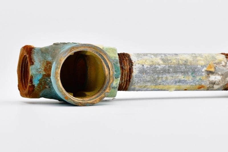 劣化した水道管